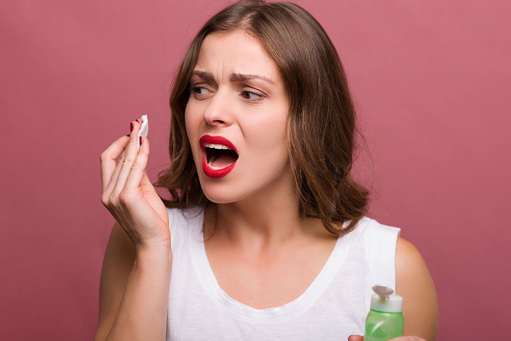 Causes of Bad Breath and Ways to Cure It
