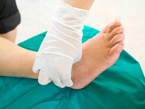 Know about the Various Symptoms of Neuropathy